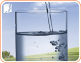 Glass of water: keep yourself hydrated in order to delay episodes of dizziness