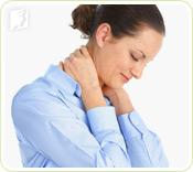 Woman clutching her neck: muscle tension is the feeling that muscles are tight.